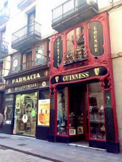 Barcelona_Gothic_Quarter_1