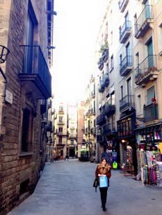 Barcelona_Gothic_Quarter_2