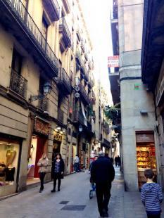 Barcelona_Gothic_Quarter_45